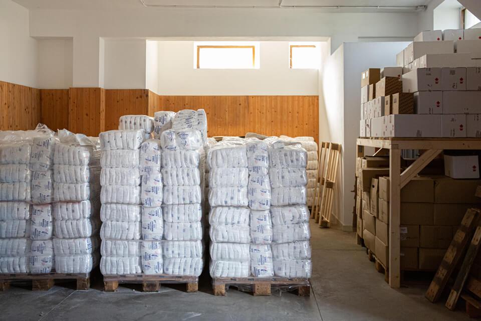 Azienda Borrelli - sale in magazzino pronto per essere distribuito